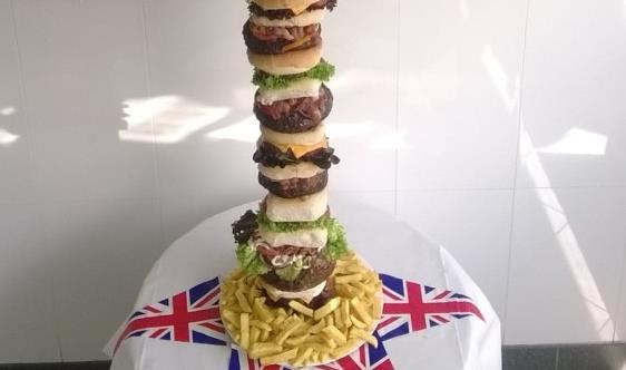piescraper-burger-30000-calories2